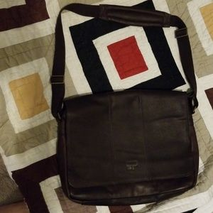 NWOT Culture Phit Leather Flapover Messenger Bag